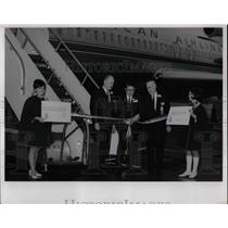 1967 Press Photo American Airlines travel agents & a plane - nea70346