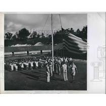 1945 Press Photo Native Children of Sinajana School in Guam Pledge of Allegiance