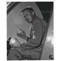 1955 Press Photo Pilot HH Manning in a model 47H-1 Bell helicopter in Conn.