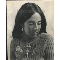 1951 Press Photo Add Touch Nostalgic - RRT04797