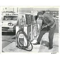 1963 Press Photo Jack Shell Gasoline Station Bruce