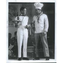 1967 Press Photo Waiters Attends Customers Restaurants - RRT49951