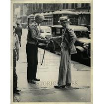 1936 Press Photo News Reporter Change Panhandler Beggar - RRT39103