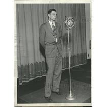 1929 Press Photo Herbert Charles Hoover MicroscopeRadio - RRT68637