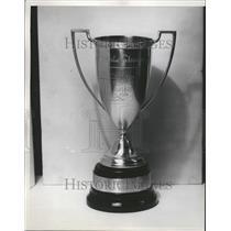 1934 Press Photo Detroit News Fair & Square Club Trophy - RRT00653