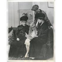 1937 Press Photo Mrs Franklin D Roosevelt Four Lady Sto