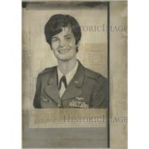 1958 Press Photo Air Force Nurse Receives Bronze Star - RRT90709