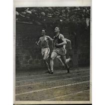 1927 Press Photo Roland Locke of Nebraska University Wins 220 Yard Sprint