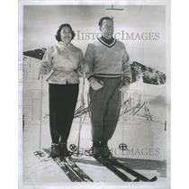 1956 Press Photo DE White Women Person Husband - RRS66981