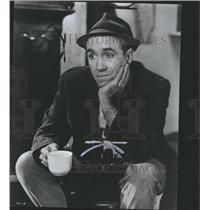 1966 Press Photo Jason Nelson Robards Thousands Clowns - RRS50081