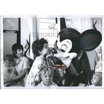 1973 Press Photo Disneyland parade at children hospital - RRS14629