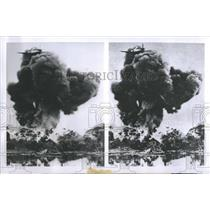 1954 Press Photo French bomber droping Naplam bomb - RRS11863