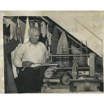 1935 Press Photo Detroit News Toy Contest Entrant - RRS99625