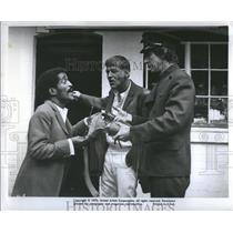 """1970 Press Photo A cop scene from """"One More Time"""" movie - RRS07323"""
