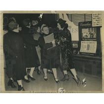1940 Press Photo Seymour Avery Women Franklin Strike - RRS87887