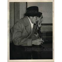 1927 Press Photo Tennis Star Fred Perry Watching Match