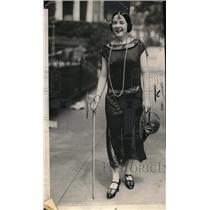1924 Press Photo Miss Leona Davis of Washington Dove in Chesapeake & Ohio Canal