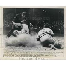 1948 Press Photo Sam Chapman, Bob Swift in Detroit vs A's game - nes02392