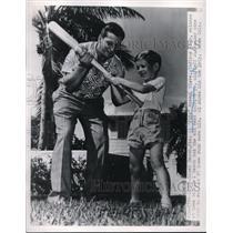 1950 Press Photo Al Rosen Indians At Home In Miami Beach Florida Jeff Austlander