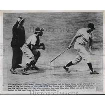 1951 Press Photo Johnny Mize Yankees Strikes Out Bob Swift Catcher Tigers MLB