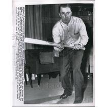 1956 Press Photo Peewee Reese Shortstop Brooklyn Dodgers At Louisville KY Home