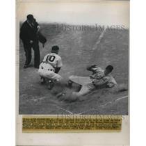 1951 Press Photo Tiger Catcher bob Swift Dale Mitchell's Johnny Lipon Tigers