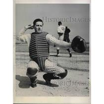 1944 Press Photo Claude Larned Works out with Yankees Volunteer catcher