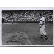 1954 Press Photo Tony Coucinello Baltimore Orioles Caoch - nes01782