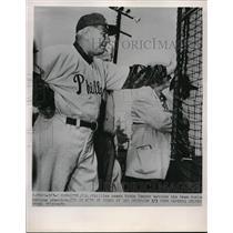 1952 Press Photo Eddie Sawyer Coach Philadelphia Phillies Batting Practice MLB