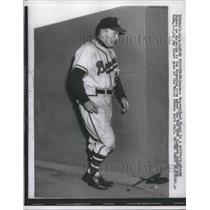 1957 Press Photo Milwaukee Braves Manager Fred Haney Walks To Dressing Room