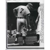 1959 Press Photo Harvey Kuenn Tigers Rips Pants Sliding Into 3rd Senators Game