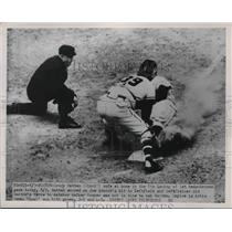 1951 Press Photo Reds Grady Hatten safe at home vs Braves Walker Cooper