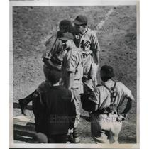 1938 Press Photo Stanley Hack scored homer in Cubs-Giants Game at Polo Grounds.