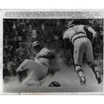 1970 Press Photo Charles Bradford White Sox Scores Run Bill Freehan Tigers MLB