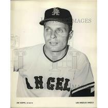 Press Photo Los Angeles Angels infielder Joe Koppe - nes02526