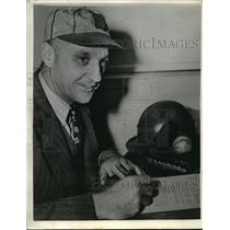 1943 Press Photo Coach George Kelly of the Boston Braves - nes00323