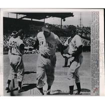 1950 Press Photo Nepolian Reyes Giants Scores Run Sam Calderone Catcher MLB