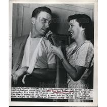 """1950 Press Photo """"Pee Wee"""" Reese, Dodger shortstop & his wife Dorothy"""