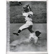 1950 Press Photo Red Sox Vern Stephens safe at 2nd vs Yankee Gerry Coleman