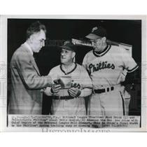 1950 Press Photo Ford Frick Discusses New Rules With Eddie Sawyer Coach Phillies
