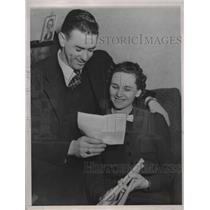 1936 Press Photo San Francisco Seals' outfielder Joe Marty with new sweetheart