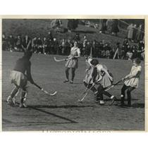 1934 Press Photo William & Mary Vs. Pennsylvania in Field Hockey Action