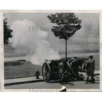 1930 Press Photo Cannon Roars for the arrival of King George and Queen Elizabeth