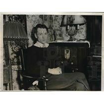 1931 Press Photo John Thomas Johnson Jr., Six Time Hero Gets Carnegie Medal
