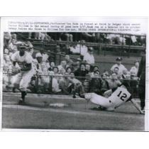 1961 Press Photo Pirates Don Hoak is forced at 3rd by Dodger 3rd sacker Junior