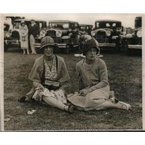 1930 Press Photo Mrs. Waterbury Morris And Miss Jean Regan Watch Polo Match