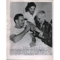 1951 Press Photo Phila.Pa Phillies pitcher Russ Myer, boy P Chandler - neb59275