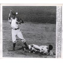 1950 Press Photo Al Clark Indians Out At 2nd By Gerry Coleman Yankees MLB Game