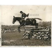 1931 Press Photo Margaret Aldrich, Vassar Horse Show, Poughkeepsie, New York
