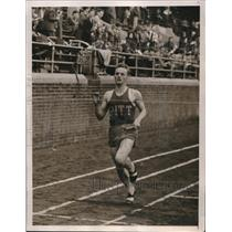 1940 Press Photo Sticke of Pitt Relay Team, Penn Relays, Philadelphia